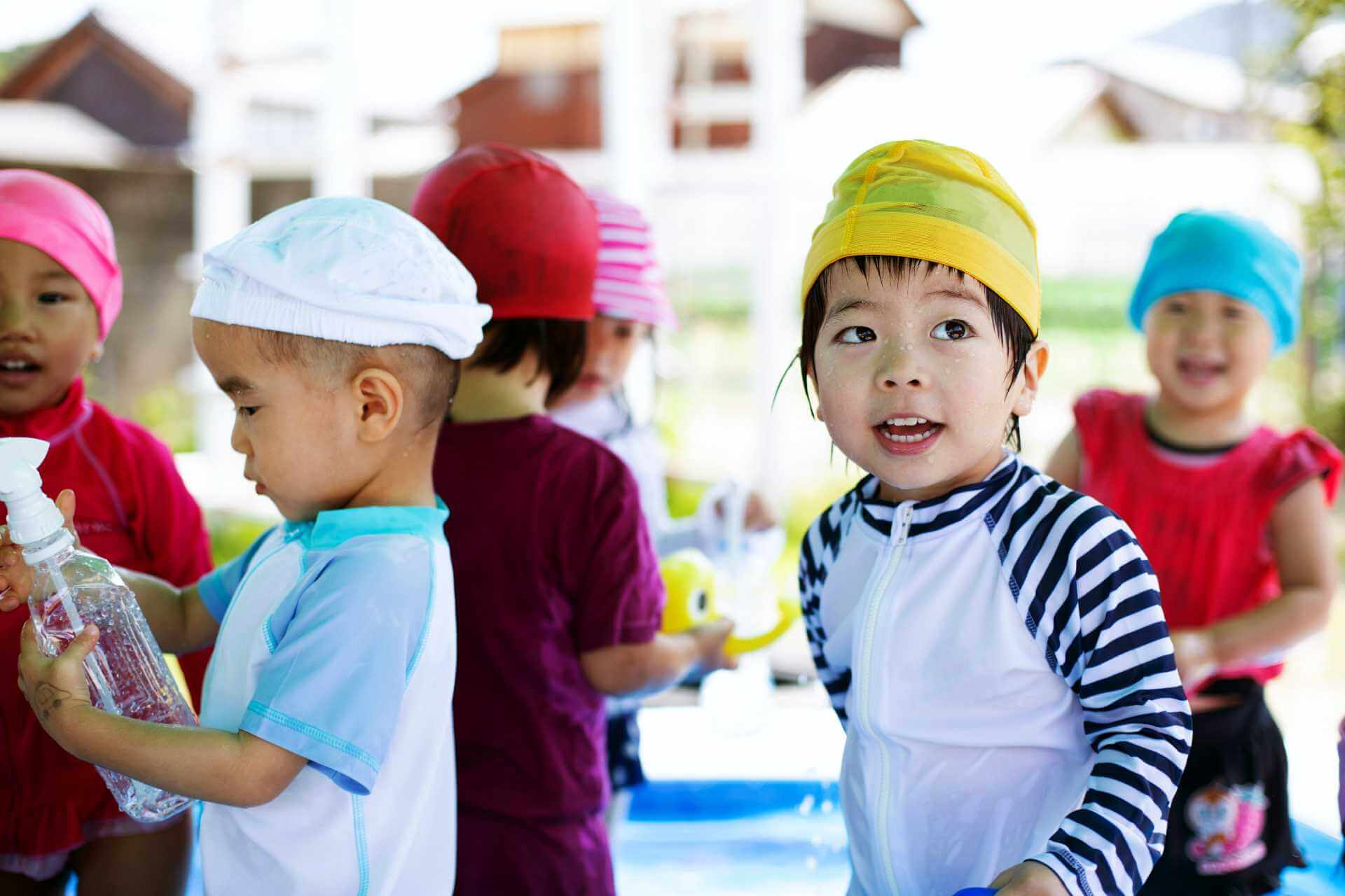 group-of-young-children-in-a-japanese-preschool-L9X26WZ